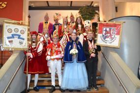 """Besuch in der """"verbotenen Stadt"""" bei der Proklamation des Kinderdreigestirns / Festkomitee Lövenicher Karneval"""